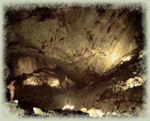 adventure-cave-Sarawak-Cham
